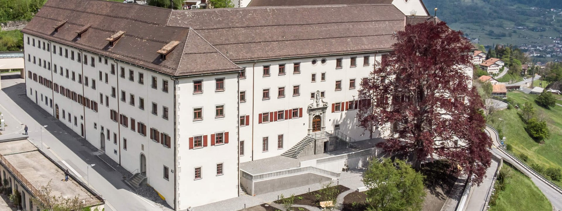 24 25 Bild 1 Klinik Pfaefers Foto Hanspeter SchiessSG